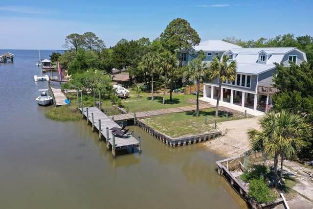 304 Wing St, ST. GEORGE ISLAND, FL 32328 (MLS #307567) :: The Naumann Group Real Estate, Coastal Office