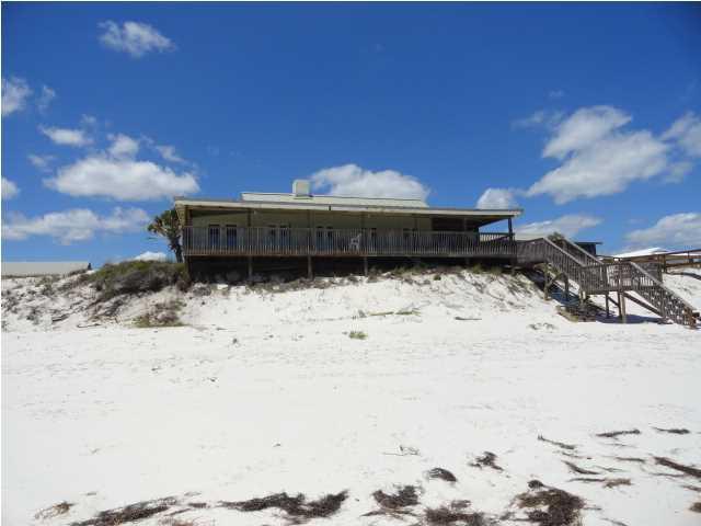 682 Gulf Shore Dr, CARRABELLE, FL 32322 (MLS #261824) :: Berkshire Hathaway HomeServices Beach Properties of Florida