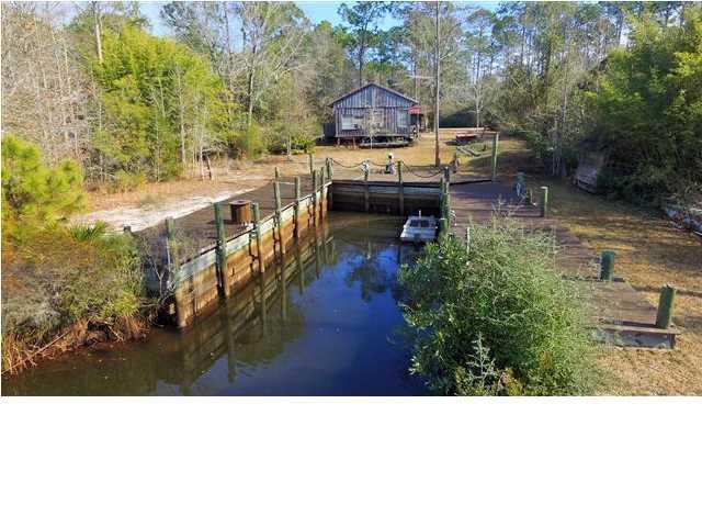 250 Ocklawaha Rd, OVERSTREET, FL 32465 (MLS #262235) :: Coast Properties