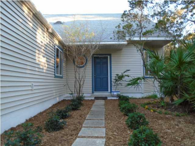 102 Las Brisas Way, EASTPOINT, FL 32328 (MLS #262693) :: CENTURY 21 Coast Properties