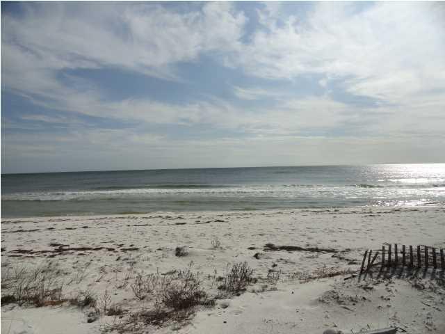 524 Gulf Shore Dr, CARRABELLE, FL 32322 (MLS #262837) :: Berkshire Hathaway HomeServices Beach Properties of Florida