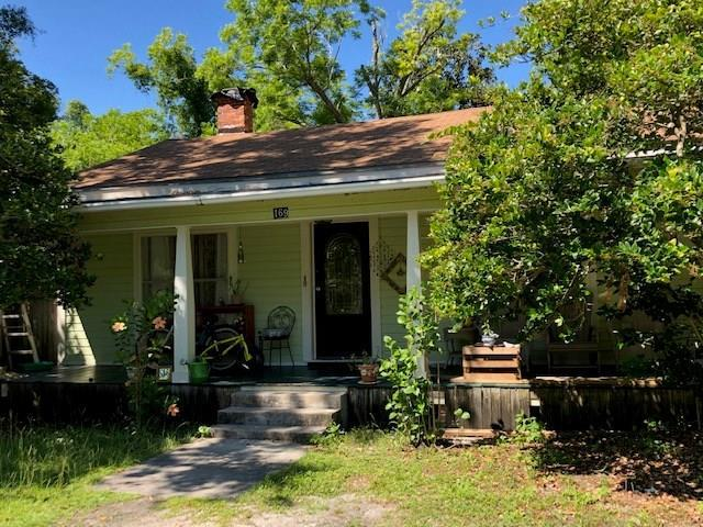 169 11TH ST, APALACHICOLA, FL 32320 (MLS #301793) :: Berkshire Hathaway HomeServices Beach Properties of Florida