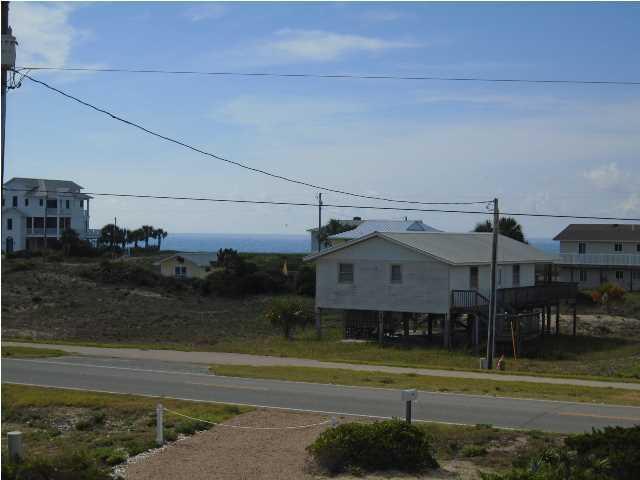 856 E Gulf Beach Dr, ST. GEORGE ISLAND, FL 32328 (MLS #301976) :: Coastal Realty Group
