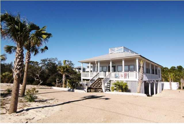 641 W Gulf Beach Dr, ST. GEORGE ISLAND, FL 32328 (MLS #302151) :: Berkshire Hathaway HomeServices Beach Properties of Florida