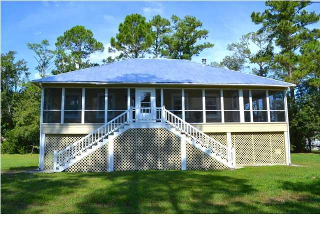 13 Big Oaks Dr, APALACHICOLA, FL 32320 (MLS #302191) :: Berkshire Hathaway HomeServices Beach Properties of Florida