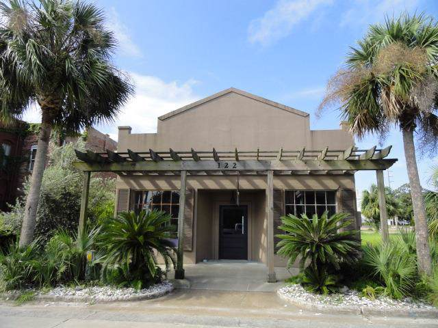 122 Commerce St, APALACHICOLA, FL 32320 (MLS #303511) :: Coastal Realty Group