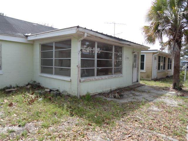 39-2 Carlton Ave, Lanark Village, FL 32323 (MLS #304167) :: Coastal Realty Group