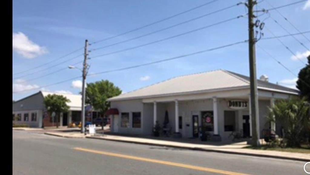 112 Reid Ave - Photo 1