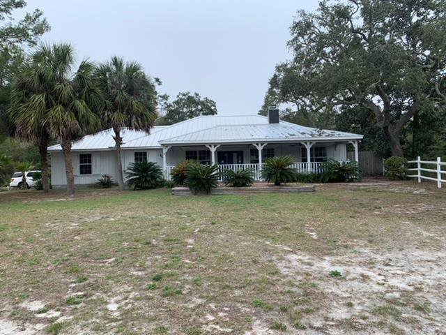 604 Gulf Ave, CARRABELLE, FL 32322 (MLS #304364) :: Berkshire Hathaway HomeServices Beach Properties of Florida