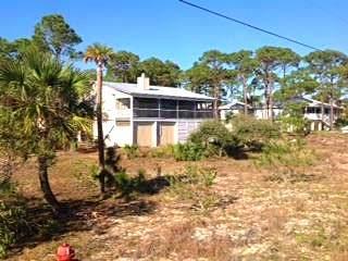 1101 E Gulf Beach Dr, ST. GEORGE ISLAND, FL 32328 (MLS #305279) :: The Naumann Group Real Estate, Coastal Office