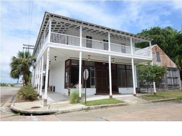 161 Commerce St, APALACHICOLA, FL 32320 (MLS #306840) :: Berkshire Hathaway HomeServices Beach Properties of Florida