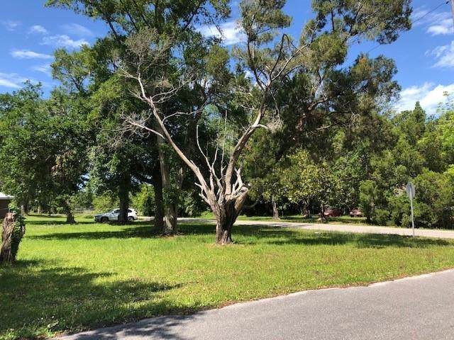 158 13TH ST, APALACHICOLA, FL 32320 (MLS #307750) :: Berkshire Hathaway HomeServices Beach Properties of Florida