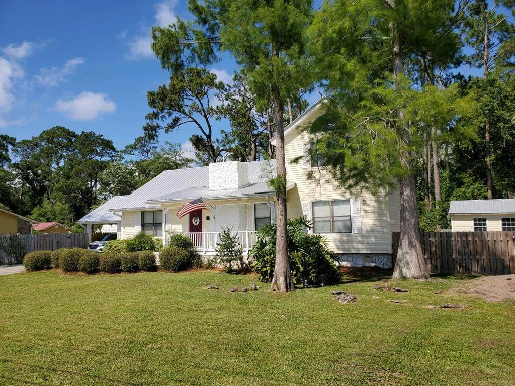 2109 Cypress Ave - Photo 1