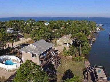 788 W Bayshore Dr, ST. GEORGE ISLAND, FL 32328 (MLS #308145) :: The Naumann Group Real Estate, Coastal Office