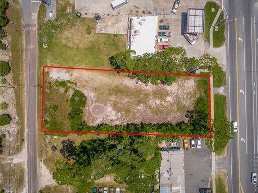 237 Hwy 98 W, EASTPOINT, FL 32328 (MLS #308651) :: Berkshire Hathaway HomeServices Beach Properties of Florida