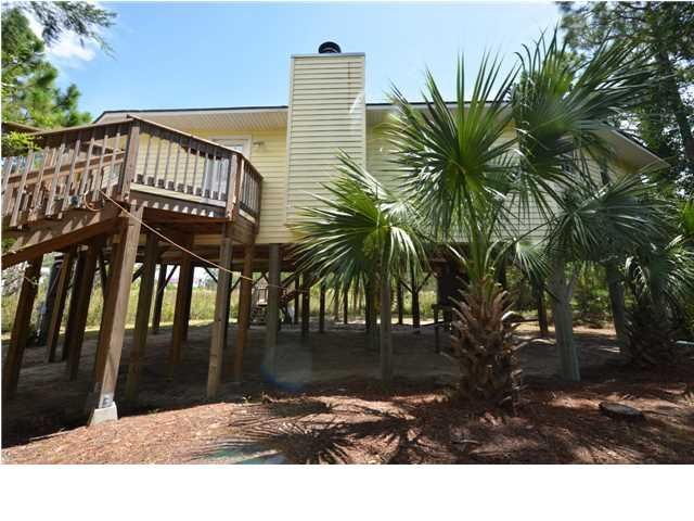 305 Quinn St, ST. GEORGE ISLAND, FL 32328 (MLS #262854) :: Berkshire Hathaway HomeServices Beach Properties of Florida