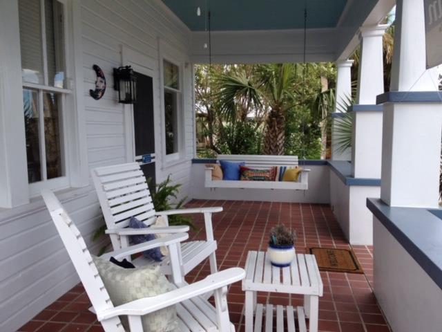 19 Ave C, APALACHICOLA, FL 32320 (MLS #301405) :: Coastal Realty Group