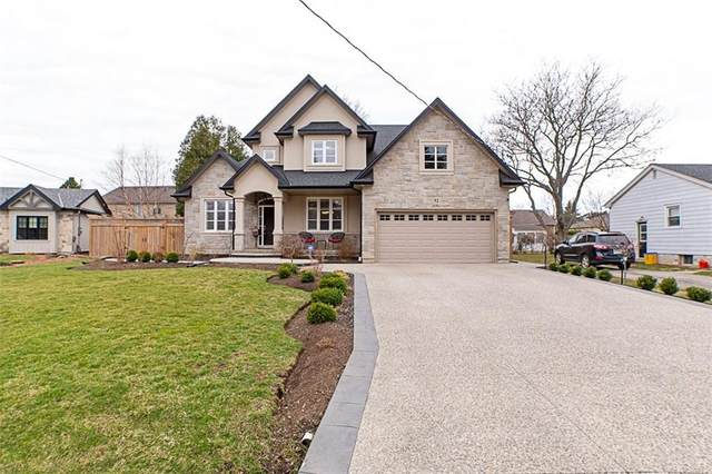52 Oakley Court, Ancaster, ON L9G 1T5 (MLS #H4103425) :: Lucido Global | Diane Price Team