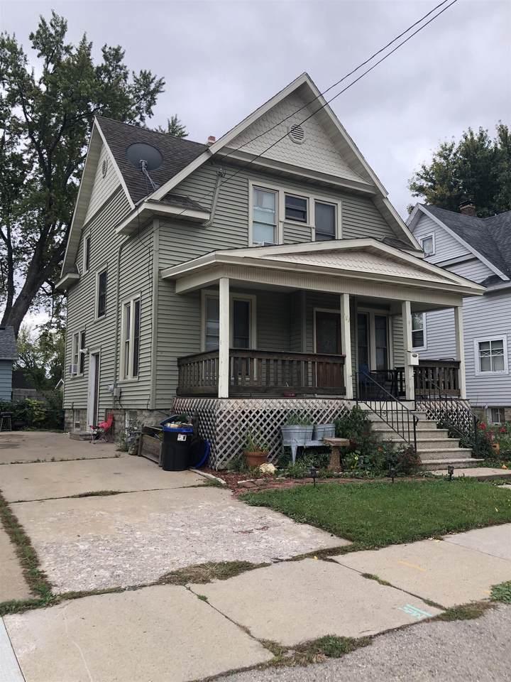 19 Melvin Avenue - Photo 1