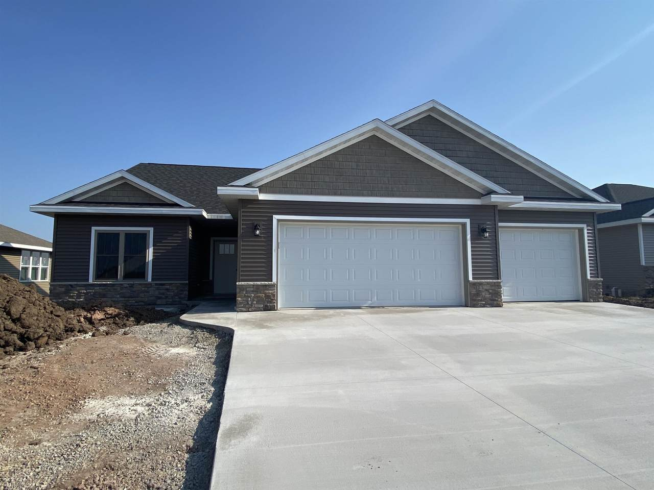 2525 Tipperary Trail - Photo 1