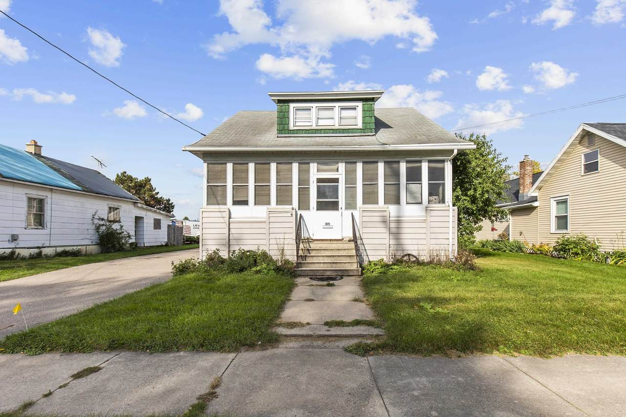 315 Forest Avenue - Photo 1