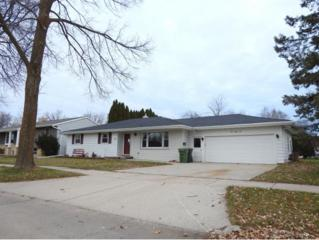 381 N Roger St, Kimberly, WI 54136 (#50155082) :: Dallaire Realty