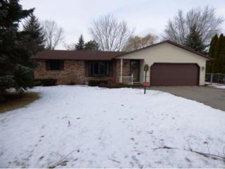 2210 Leisure Ct, Green Bay, WI 54311 (#50157639) :: Dallaire Realty
