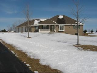 2117 Deer Haven Ct, Wrightstown, WI 54180 (#50158487) :: Dallaire Realty