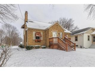 1044 Elmore St, Green Bay, WI 54303 (#50159352) :: Todd Wiese Homeselling System, Inc.