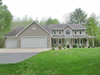 1891 Pinewood, Suamico, WI 54173 (#50164198) :: Dallaire Realty