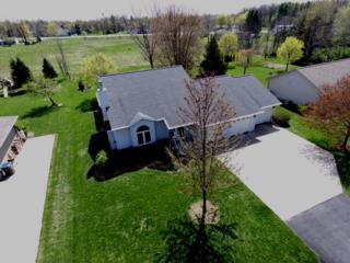 W6619 Cedar, Greenville, WI 54942 (#50164309) :: Dallaire Realty