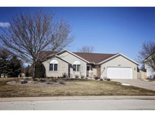 2617 Valley Heights Dr, Green Bay, WI 54311 (#50159408) :: Dallaire Realty