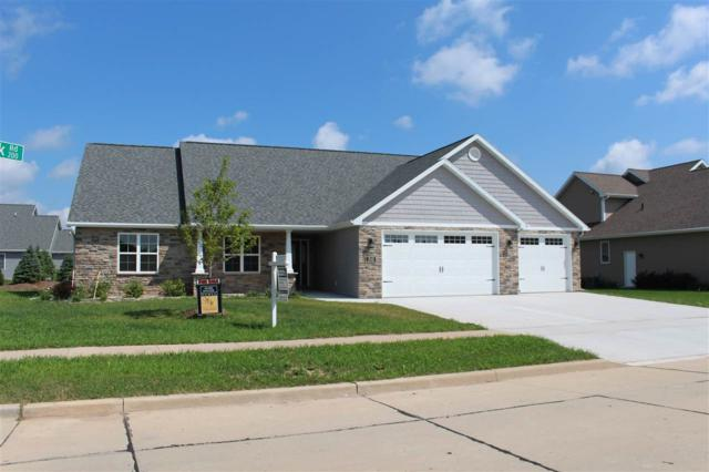 210 E Flintrock Drive, Appleton, WI 54913 (#50169269) :: Dallaire Realty
