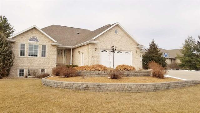407 N Pine Grove Lane, Hortonville, WI 54944 (#50177438) :: Dallaire Realty