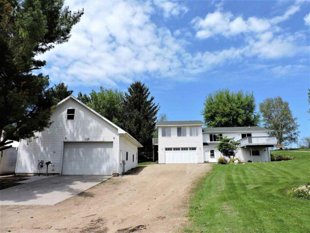 8678 Banner Hill Road, Omro, WI 54963 (#50182383) :: Symes Realty, LLC