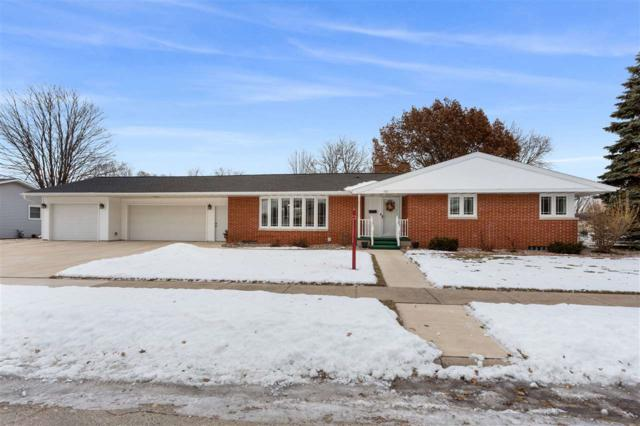 722 Lee Avenue, Brillion, WI 54110 (#50196660) :: Todd Wiese Homeselling System, Inc.
