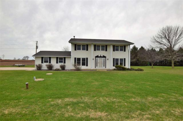 E1455 Luxemburg Road, Luxemburg, WI 54217 (#50198286) :: Todd Wiese Homeselling System, Inc.