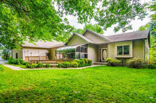 W7597 Highview Court, Shiocton, WI 54170 (#50201285) :: Dallaire Realty