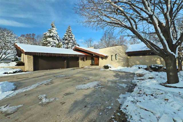 2832 E Crestview Drive, Appleton, WI 54915 (#50208278) :: Todd Wiese Homeselling System, Inc.