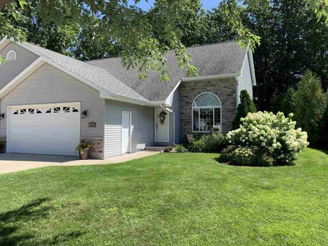 3676 Nordic Court, Suamico, WI 54173 (#50209311) :: Todd Wiese Homeselling System, Inc.
