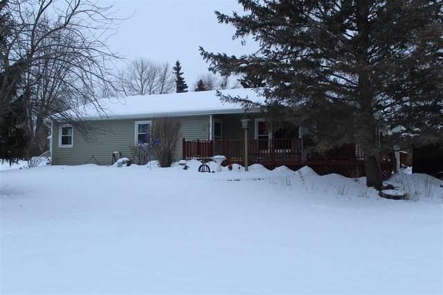 4509 Wagon Trail Road, Oshkosh, WI 54904 (#50215626) :: Todd Wiese Homeselling System, Inc.