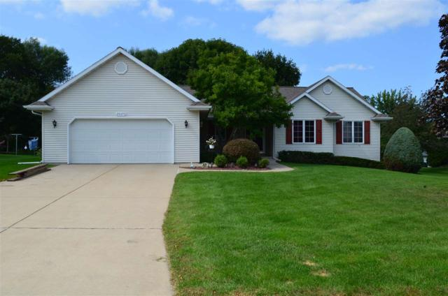 2029 Meadow Links Drive, New Franken, WI 54229 (#50171424) :: Todd Wiese Homeselling System, Inc.