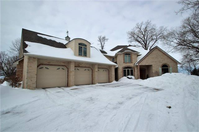 4367 Nicolet Drive, Green Bay, WI 54311 (#50190083) :: Todd Wiese Homeselling System, Inc.
