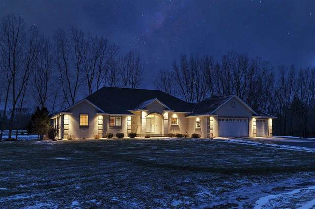 3242 Libby Lane, Green Bay, WI 54313 (#50215636) :: Todd Wiese Homeselling System, Inc.