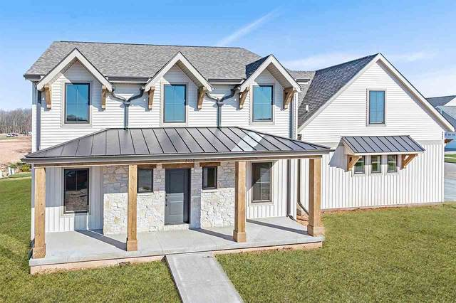 3131 E Blue Topaz Drive, Appleton, WI 54913 (#50217544) :: Todd Wiese Homeselling System, Inc.