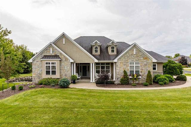 2058 Crest Court, Oshkosh, WI 54904 (#50228802) :: Town & Country Real Estate