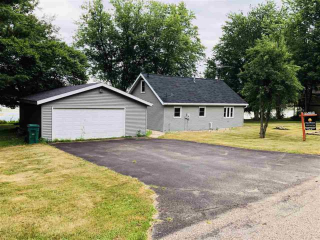 E1892 Lake Shore Drive, Iola, WI 54945 (#50178375) :: Todd Wiese Homeselling System, Inc.