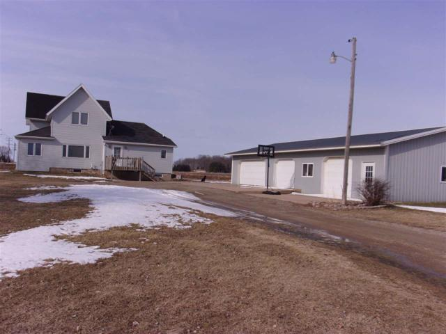 N5964 Hwy D, New London, WI 54961 (#50180858) :: Dallaire Realty