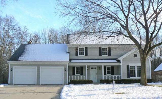 2539 Parkwood Drive, Green Bay, WI 54304 (#50192281) :: Todd Wiese Homeselling System, Inc.