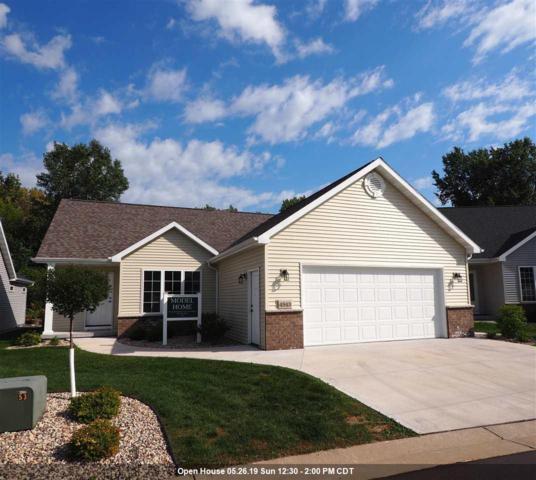 4943 W Woods Creek Lane, Appleton, WI 54913 (#50198692) :: Dallaire Realty